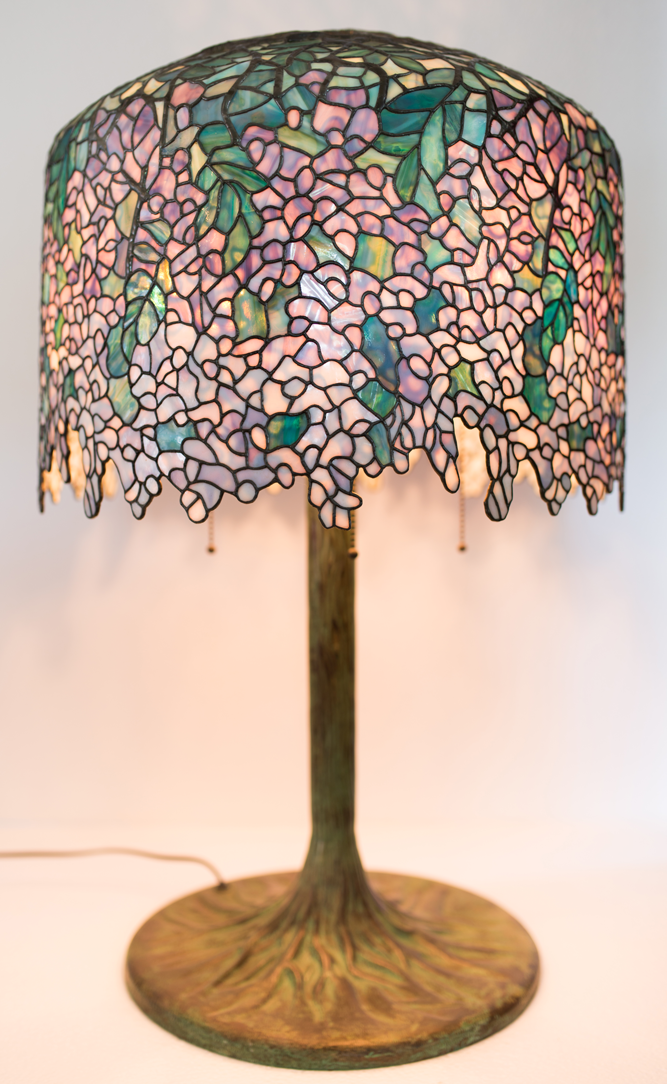 Tiffany Lamp 'Wisteria'